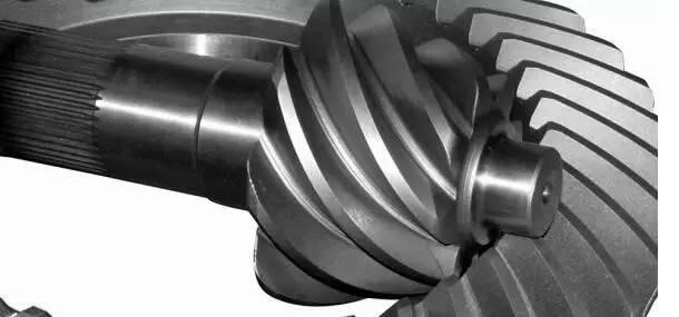 One hundred rail transport, heavy vehicles and ship propeller Spiral bevel gears destined for Japan